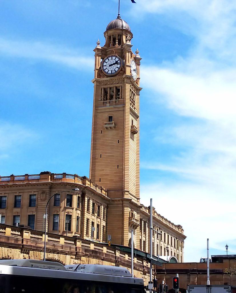 セントラル駅の時計台