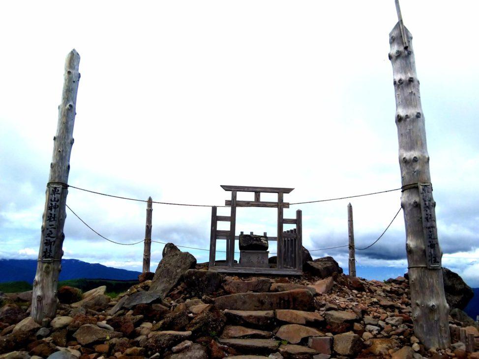 天空の御柱 【車山高原のリフトで山頂絶景スポットへ】長野県一周車中泊ドライブ旅