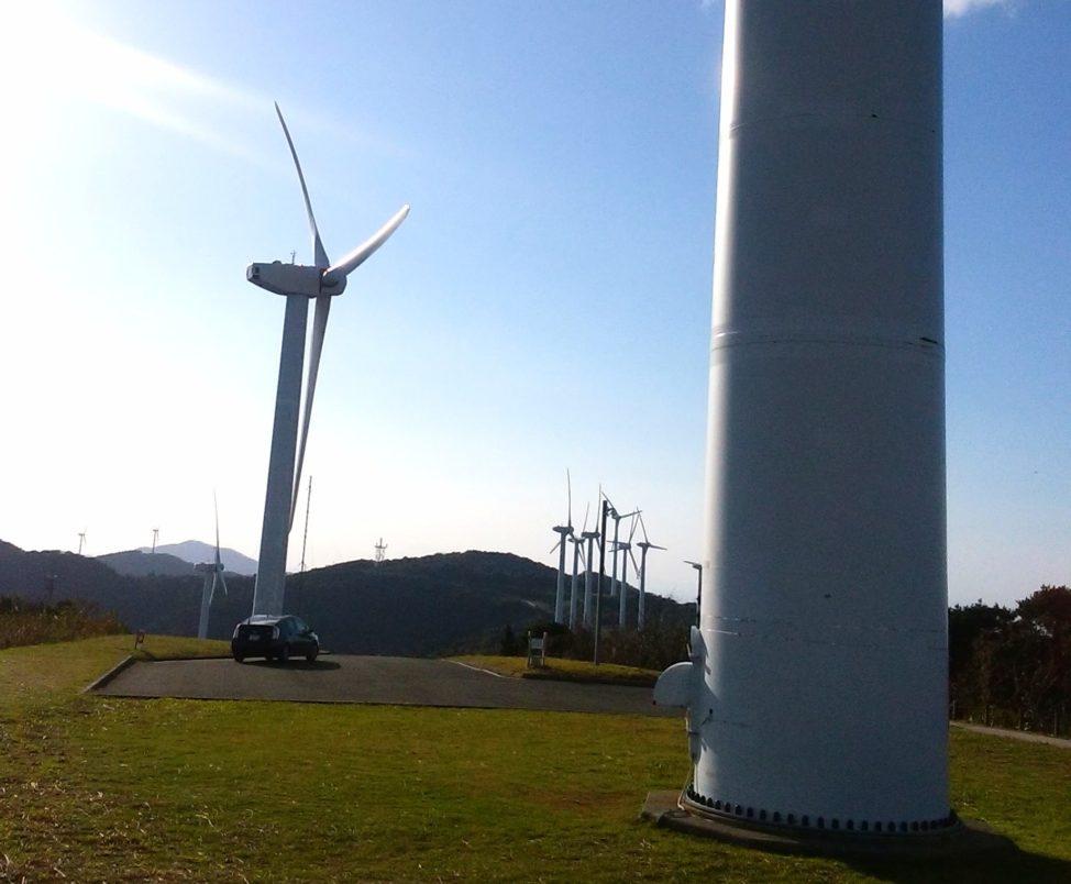 【せと風の丘パークの絶景】愛媛県の佐田岬半島にある爽快な風車群