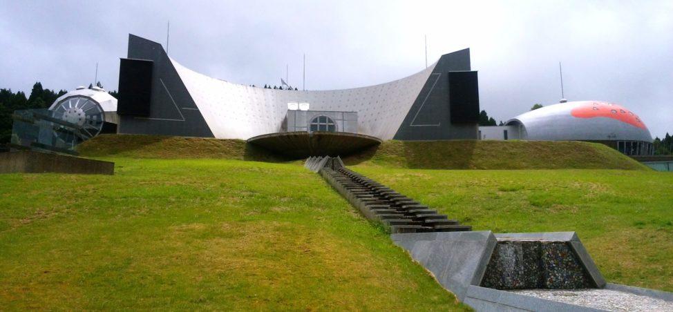 能登島ガラス美術館 【能登半島一周・車中泊ドライブ旅】2泊3日でまわった21のおすすめ観光スポット