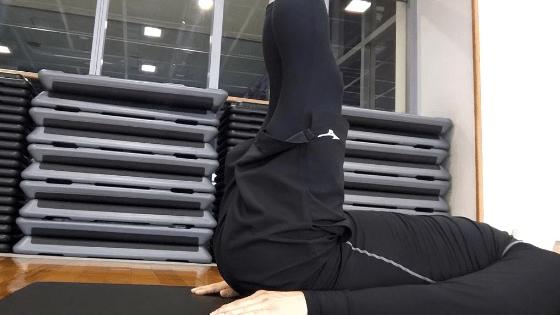 下腹部を引き締める筋トレ④:レッグリフト